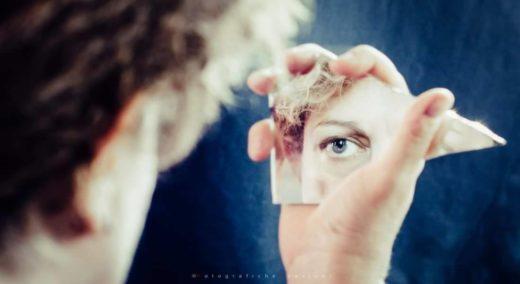 specchio e occhio